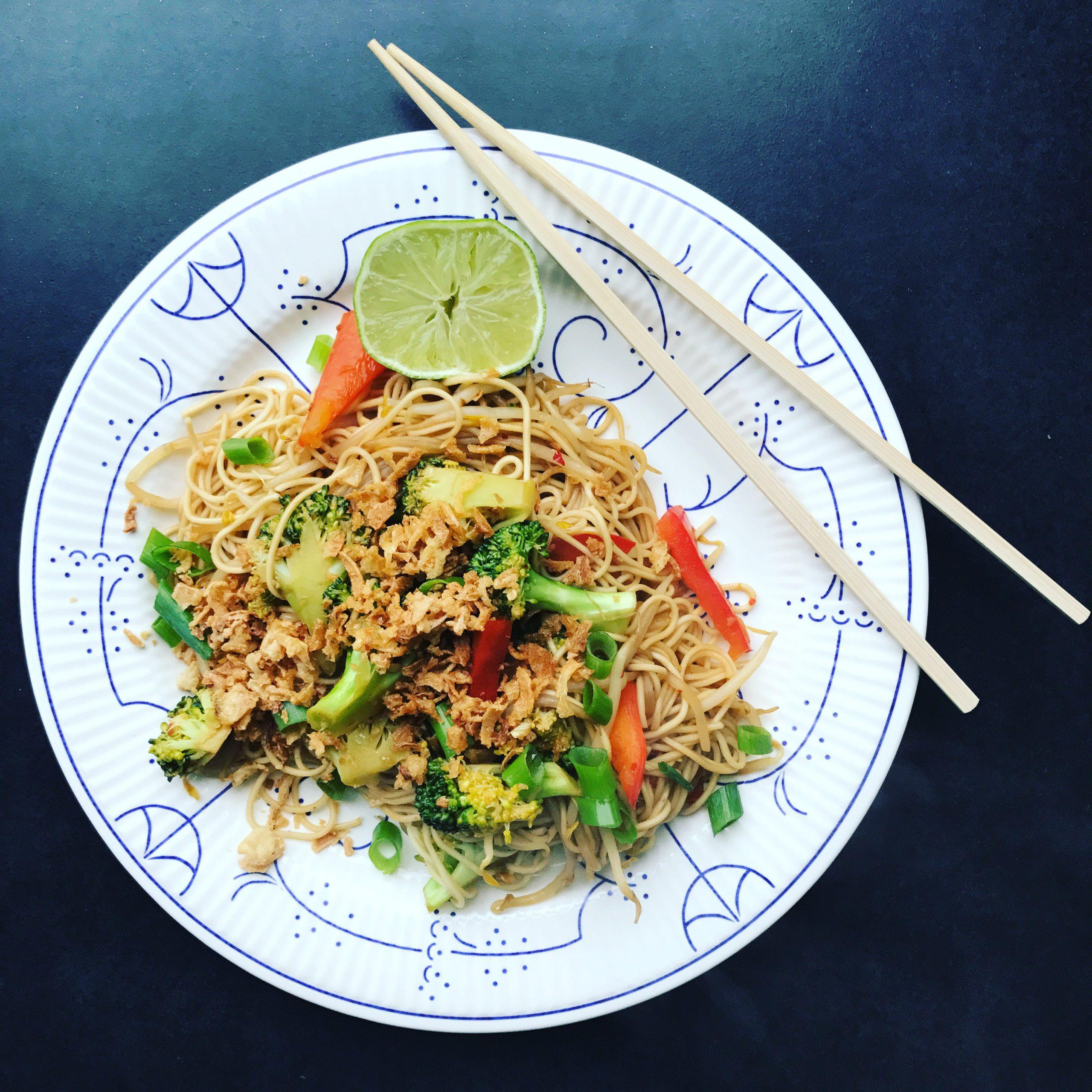 Vegetarische wok met noedels